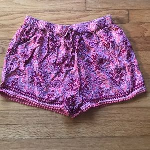 Casual patterned shorts